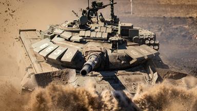 钢甲掠影!俄军T-72B3坦克越野涉水拉练