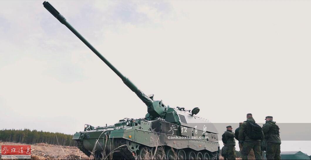 """4月17日,立陶宛陆军""""铁狼旅""""下辖的""""罗姆阿尔达斯·吉尔德莱斯提斯将军""""炮兵营,首次使用现代化升级后的德制PzH-2000自行火炮实弹打靶,防范俄军意味十分明显。44"""