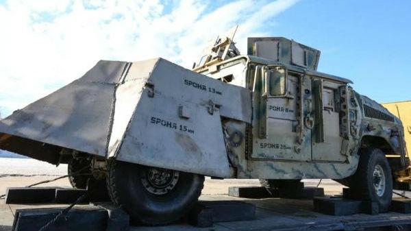 俄军叙利亚战利品列车吸引2000俄青年参军