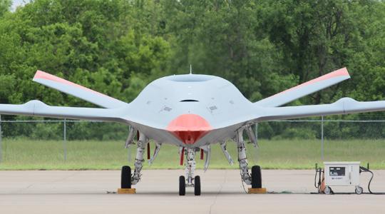 备战首飞!美军地面测试舰载无人加油机