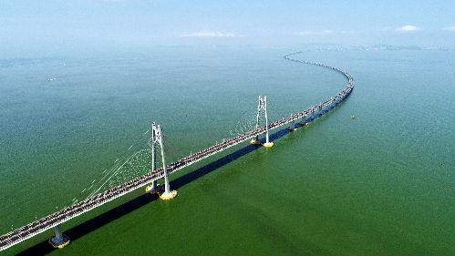 外媒:上天入地下海 中国大型基建项目令人惊叹