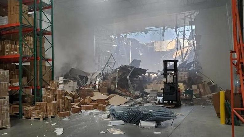 美媒称美空军一架F-16撞入地面建筑:飞行员跳伞逃生