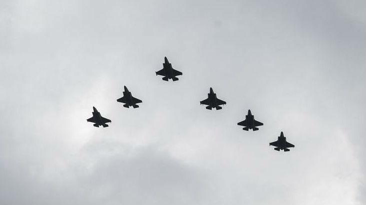 韩媒:美日军事同盟热络 日本为美战机训练买岛