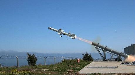 """土耳其自研发""""雀鹰""""反舰导弹 可掠海打击敌战舰"""