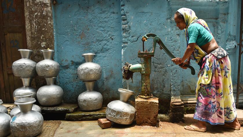 达卡市民遭遇缺水难题