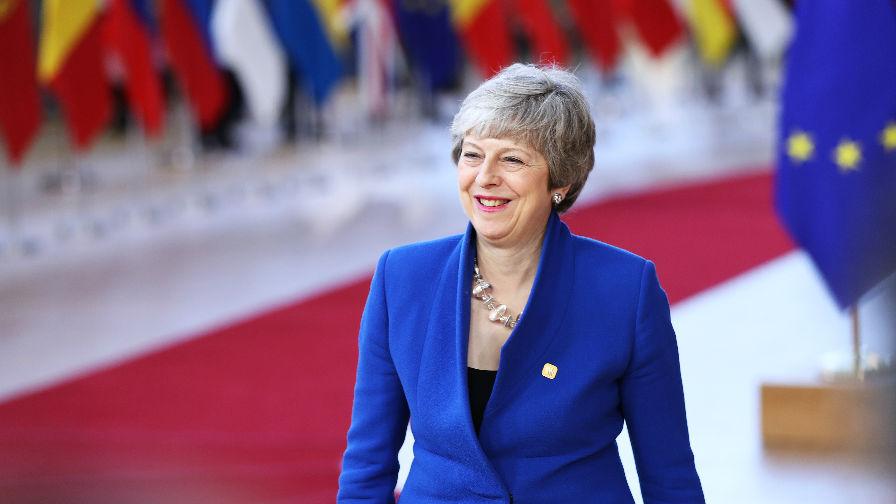 英国朝野两党对脱欧协议不满 外媒:梅脱欧最终计划必将失败