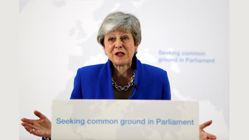 """英国首相说议会将决定是否就""""脱欧""""条件举行公投"""