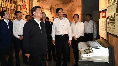 外媒:中国沉着应对走好新长征路 不惧风险挑战