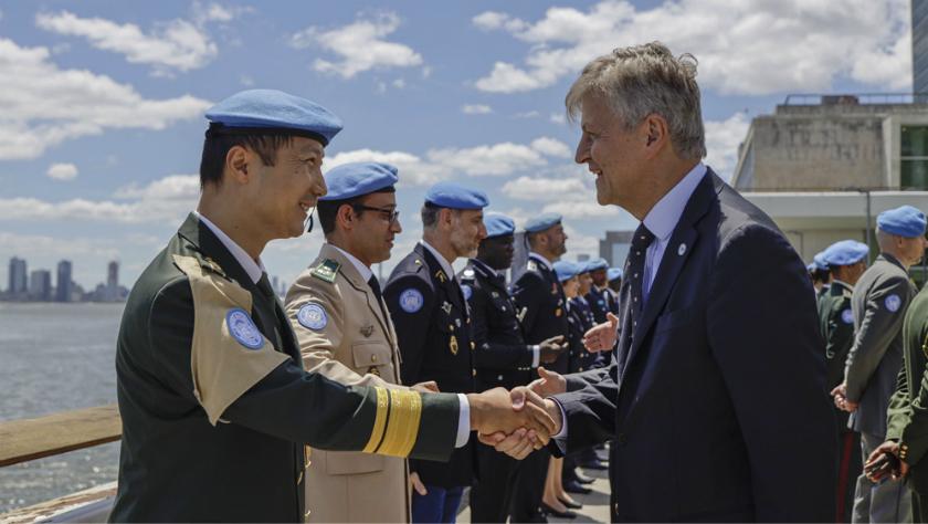 聯合國授予兩名中國軍人和平勛章