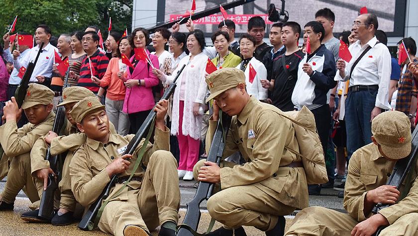 再现上海解放感人一幕
