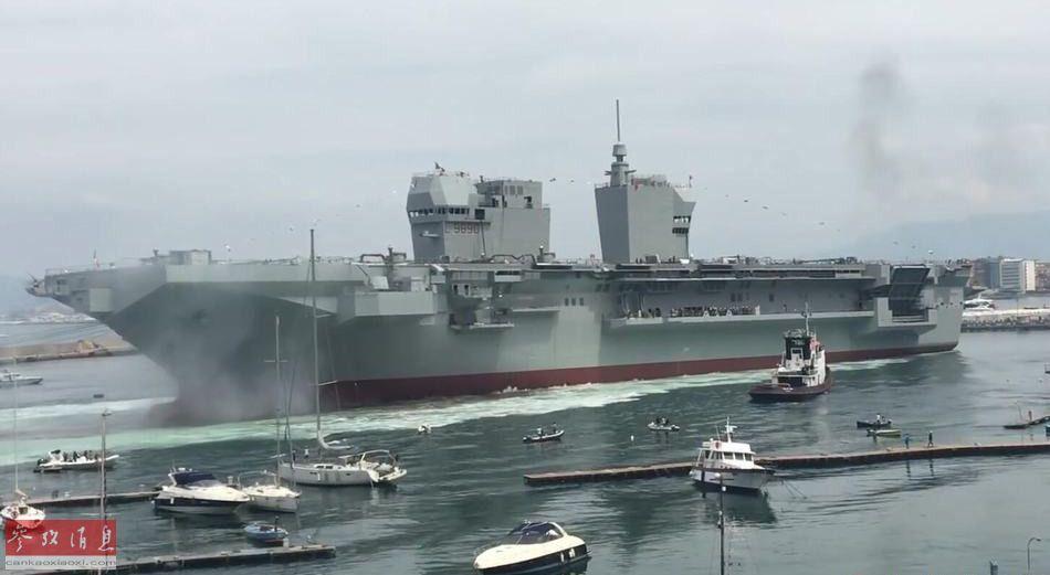 """巧合的是,""""的里雅斯特""""号两栖攻击舰也采用了与英国伊丽莎白女王级航母类似的双舰岛布局。"""