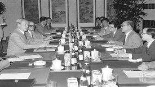 回眸中俄建交70周年| 亲历中俄关系史上几个关键时刻