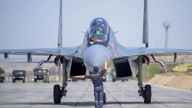 似曾相識!中國鄰國用蘇-30SM戰機訓練
