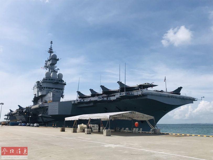 """近日,法国海军唯一的核动力航母""""戴高乐""""号驶抵新加坡,并停靠访问。这也是该舰首次访问东南亚地区。29"""