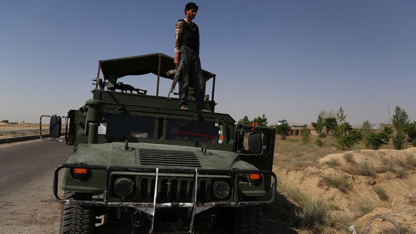 阿富汗加兹尼省遭自杀式汽车炸弹袭击 8名警察死亡
