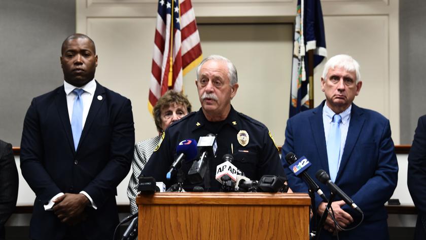 美国警方确认枪击案枪手为市政员工
