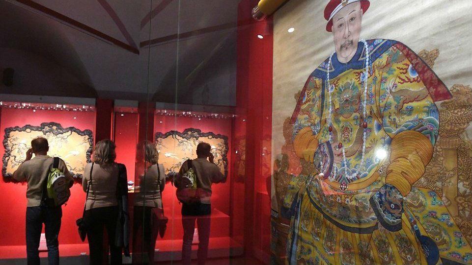 """莫斯科举办故宫文物展 克里姆林宫博物馆展品将""""回访""""故宫"""