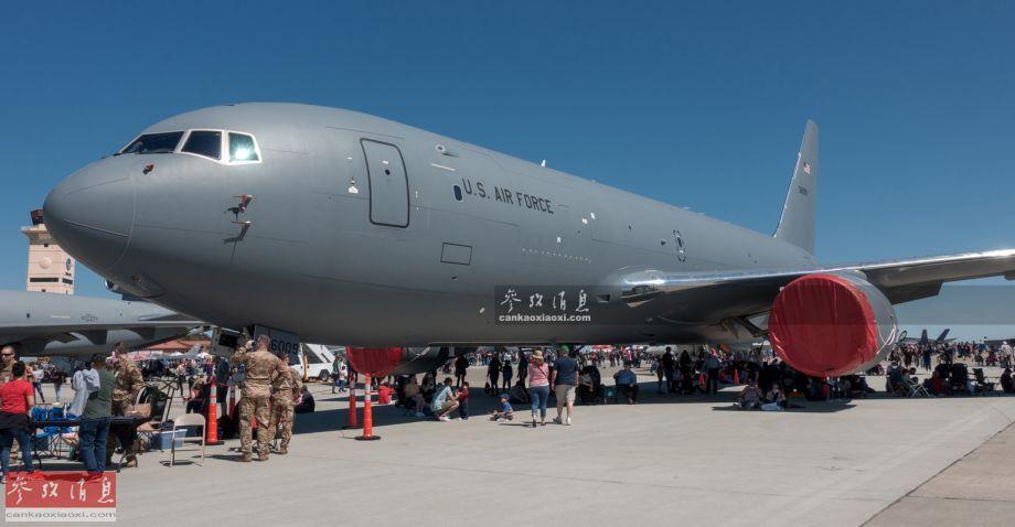 """图为首次参加公开航展的美空军KC-46""""飞马""""加油机,于近期内刚刚列装。"""