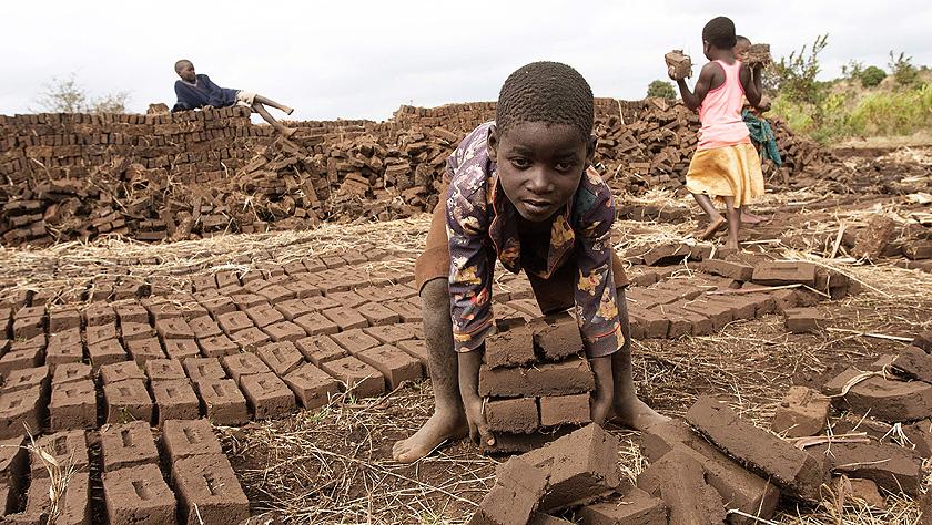 世界無童工日:勞苦童年
