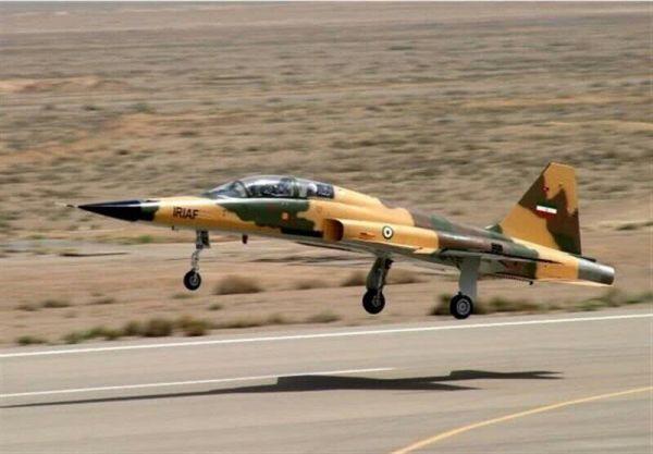 """资料图:伊朗新型""""考萨尔""""战机。"""