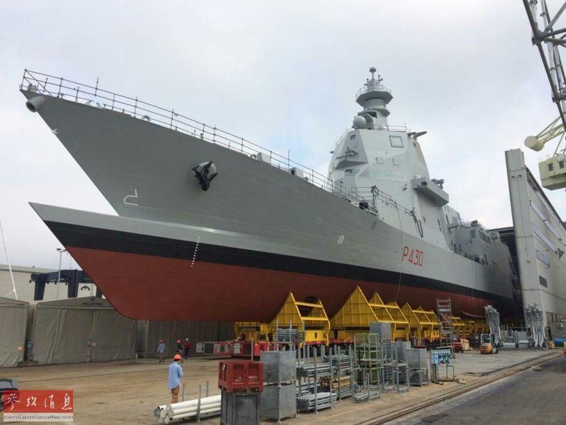 """近日,意大利拉斯佩齐亚造船厂,意大利海军首艘新型多功能护卫舰(PPA)举行下水仪式,预计将于2021年4月正式交付给意大利海军。该舰最大的外形特色,就是采用了独特的""""双舰艏""""设计。很容易让人有""""看重影""""的视觉错觉。8"""
