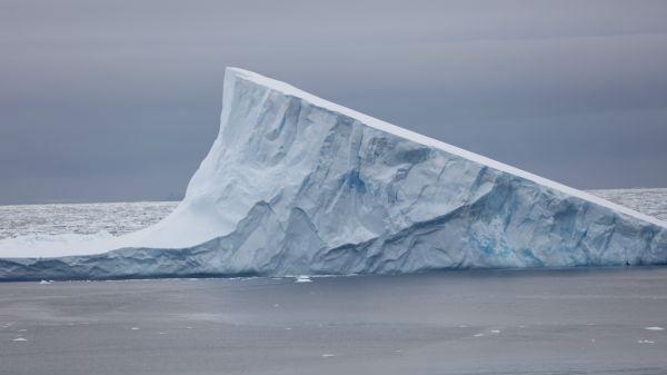 港媒:巨大债务冰山或击沉全球经济