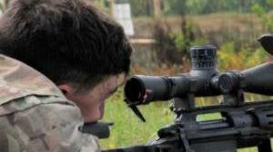 涉嫌滥用职权!驻德美军官带13岁儿子进德军靶场打靶