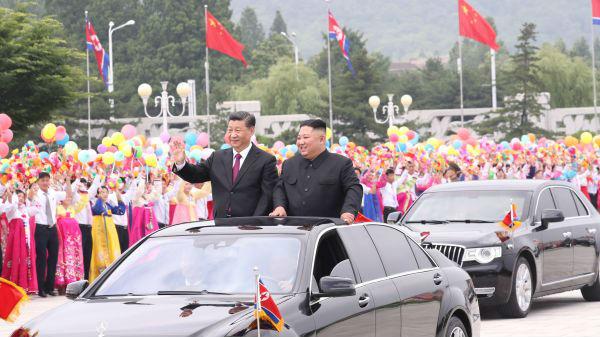 外媒:朝鲜最高礼遇接待习近平 两国共同开启友谊新篇