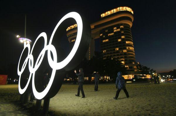 亚博:韩国短道速滑再爆丑闻冬奥冠军当众扒队友裤子