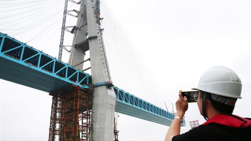 世界最大跨度公铁两用斜拉桥主塔顺利封顶
