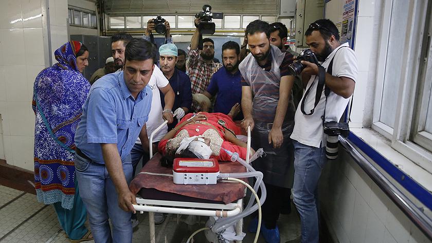 印控克什米尔发生车祸致11死8伤