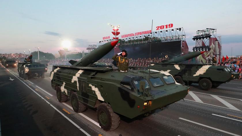 白俄罗斯举行独立日阅兵总彩排