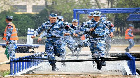 新媒关注解放军南海演习:中国海军已形成近海综合作战能力
