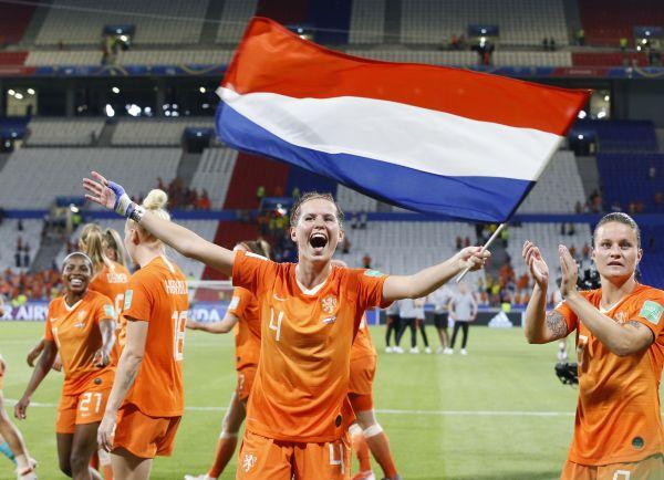 亚博:加时一球小胜瑞典荷兰首度闯入女足世界杯决赛
