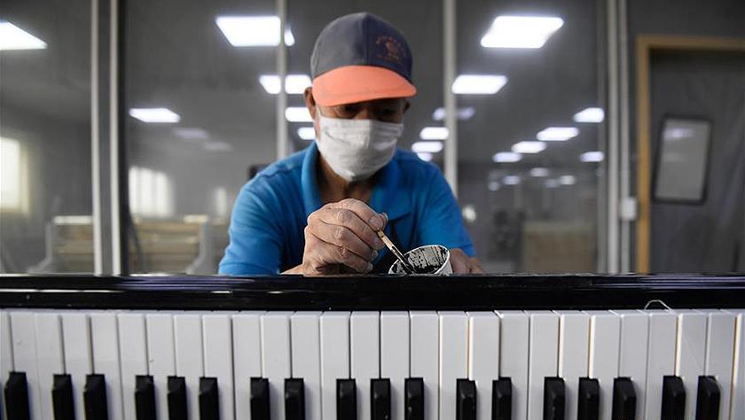 """探访""""中国钢琴之乡"""""""