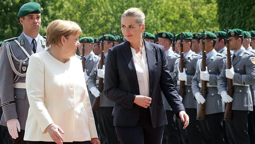 丹麦新任首相到访德国 默克尔主持欢迎仪式