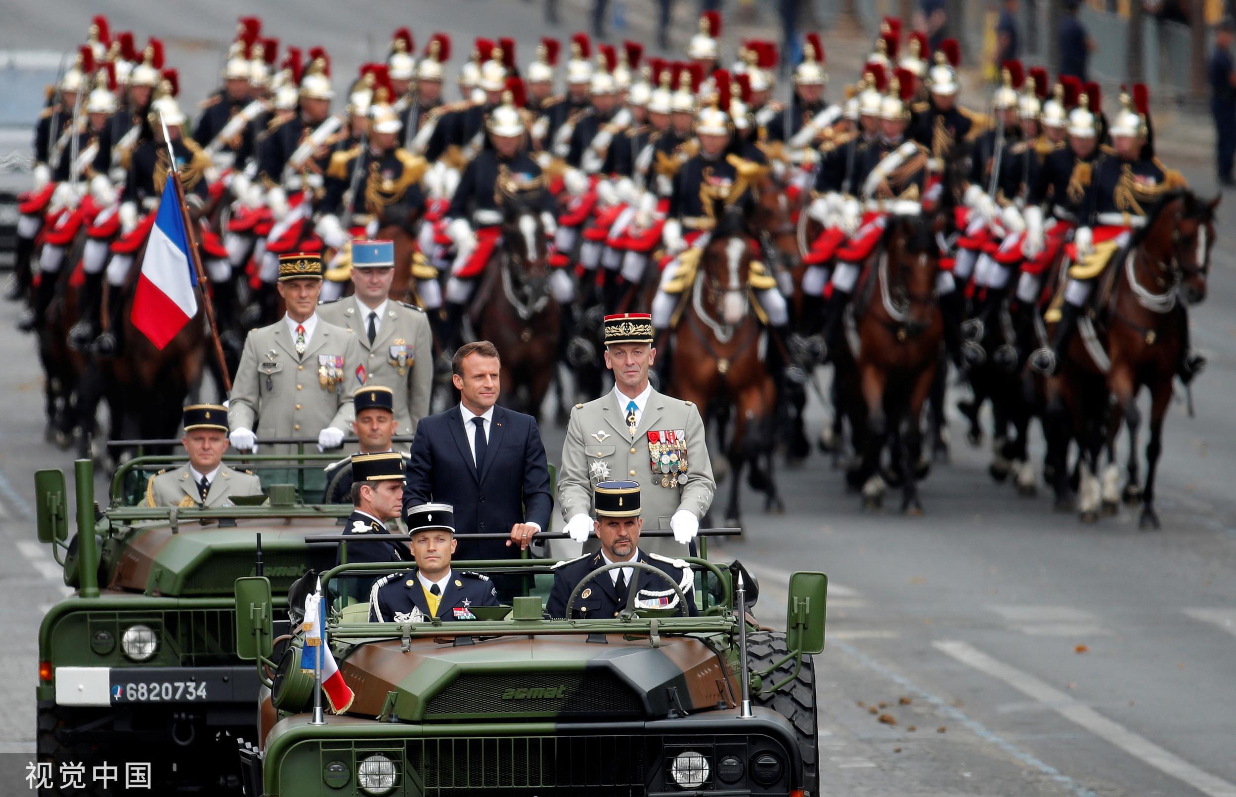 法国国庆阅兵大秀欧洲军力 德法混合旅亮相