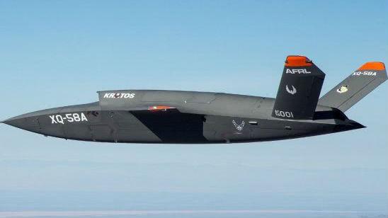 "F-35可当指挥机!美军再次试飞""女武神""无人战机"