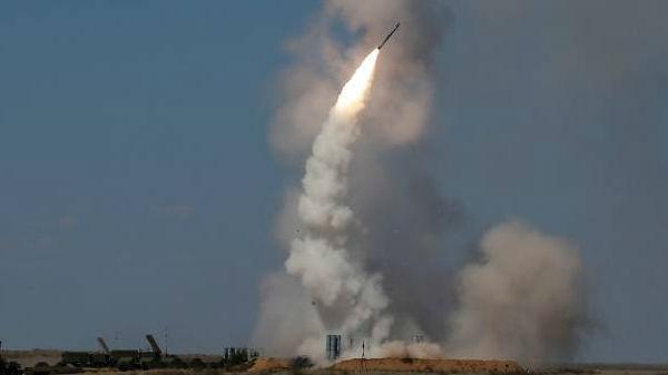 敌机从1.5万高空来袭!俄军举行S-300防空演习