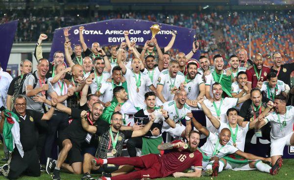 开场2分钟锁定比分 阿尔及利亚时隔29年再夺非洲杯