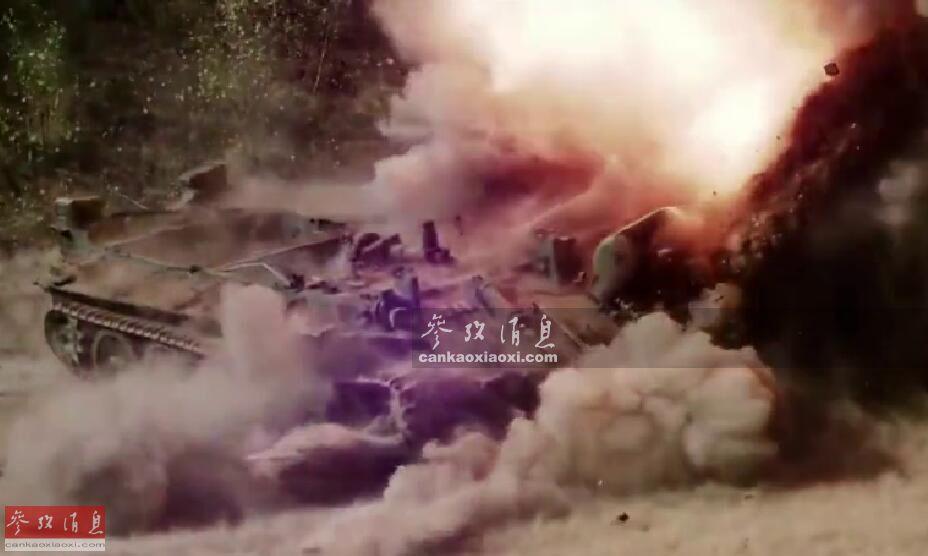 提起反装甲武器,人们通常会先想到反坦克导弹,实际还有一种传统且有效的武器,即反坦克地雷。尽管重要地位有所下降,这种诞生于1916年(一战时期的Flachmine 17,最初由德军研发,由炮弹改进而来)的传统武器,至今仍是各大国陆军武库的必备装备之一。近日,网上放出了一组俄军测试反坦克地雷的视频。图为T-55坦克被地雷炸毁履带瞬间。17