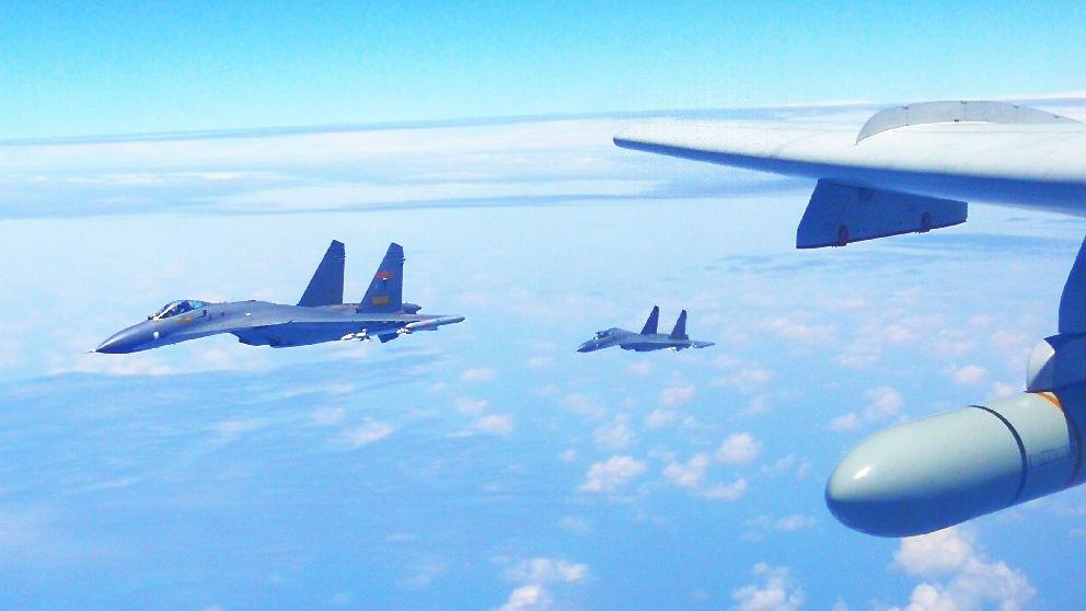 中方确认中俄首启联合空中战略巡航 外媒:军事合作进入新阶段