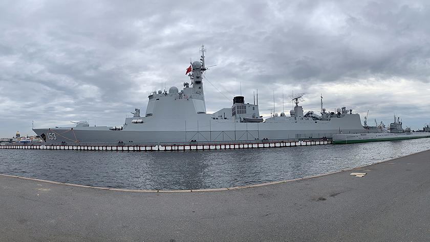 西安艦抵達圣彼得堡訪問并參加俄羅斯海軍節