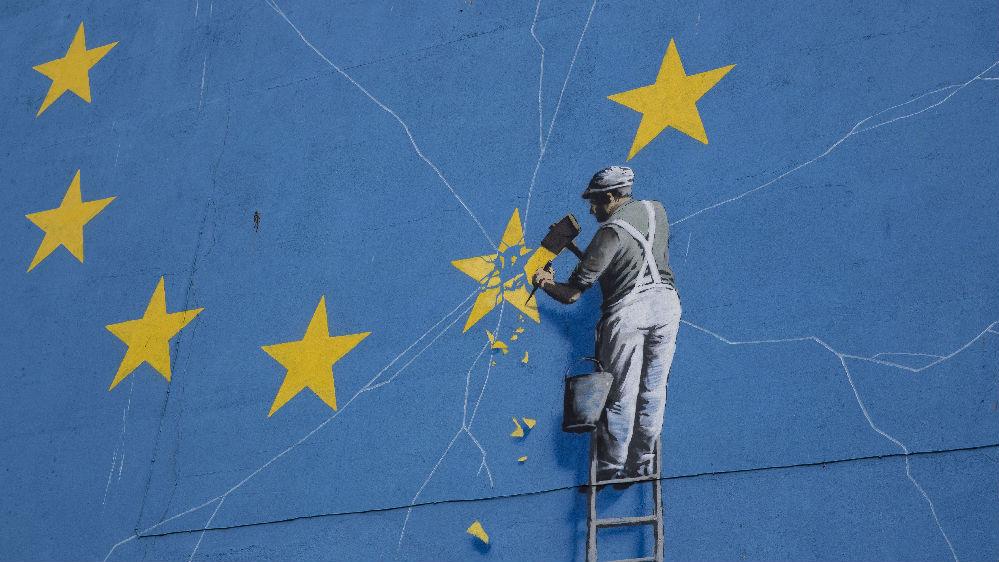 """约翰逊发誓让英国""""最伟大"""" 并将""""威逼利诱""""欧盟重新谈判"""