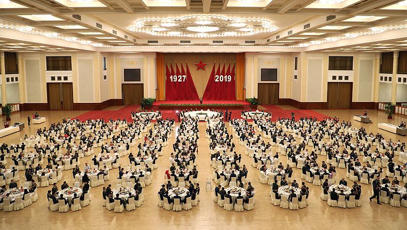 國防部舉行盛大招待會熱烈慶祝建軍92周年