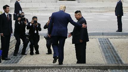 """朝鲜一周内两次试射 蓬佩奥称期待""""迅速恢复""""美朝谈判"""