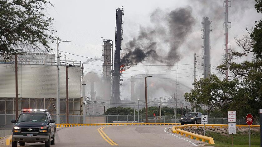 美國得州一煉化廠發生火災37人受傷