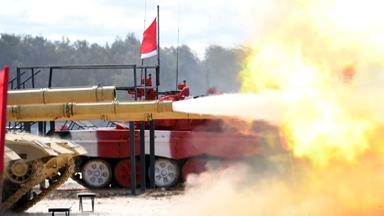 开赛在即!中国96B参赛坦克开火校炮