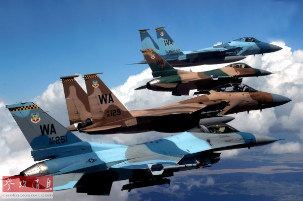 <b>军情锐评:F-15因老旧曾空中解体 美军主力战机短期内难换代</b>