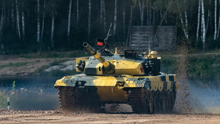 """中國""""坦克兩項""""參賽隊在""""國際軍事比賽-2019""""中首賽告捷"""